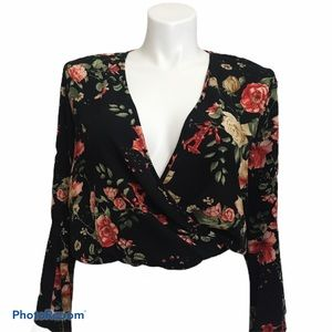 Envision Studio floral bell sleeve top. Sz large
